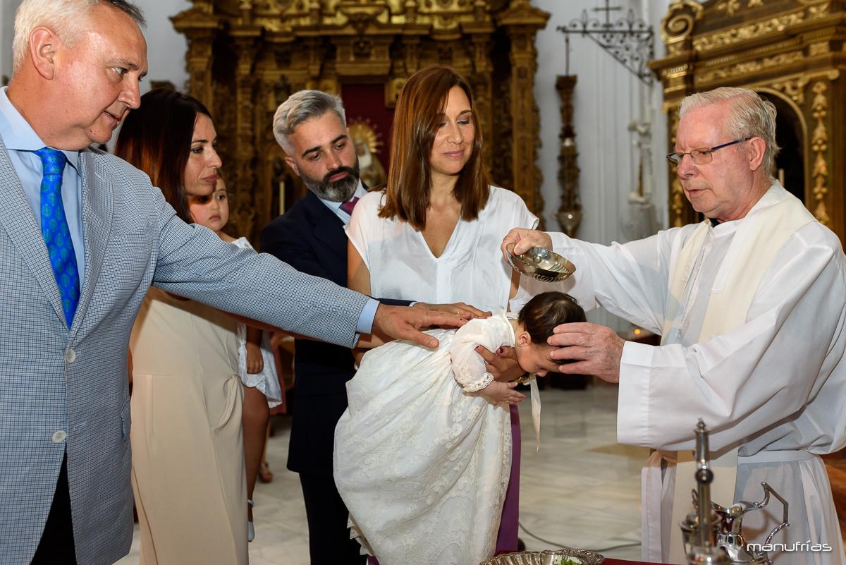 manufrías-fotografo-bautizos-Parroquia-de-santa-cruz-de-sevilla