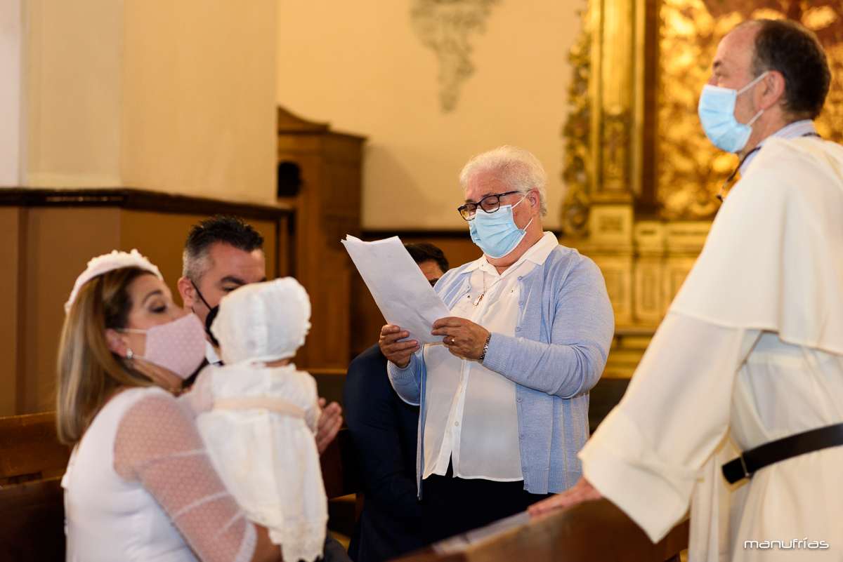 manufrías-bautizo-sevilla-Iglesia-san-jacinto