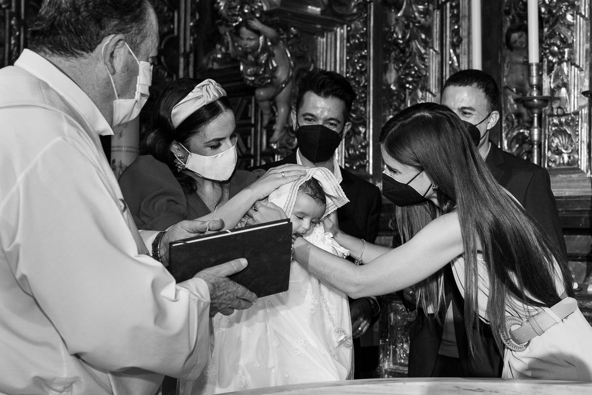manufrias-fotografo-bautizo-sevilla-iglesia-del-salvador